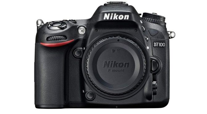 Click in Style with Stylish and Powerful Nikon D7100